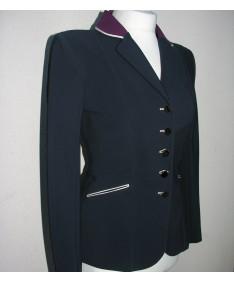 veste col et nœud raisin
