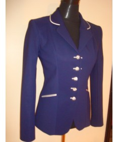 veste bleu et banche swarovski